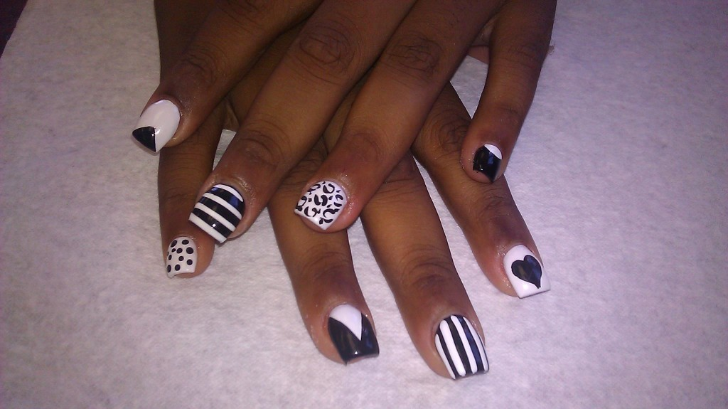 Weekend Ready Chicago Nail Art: Naughty Nail\'z | Chicagoings