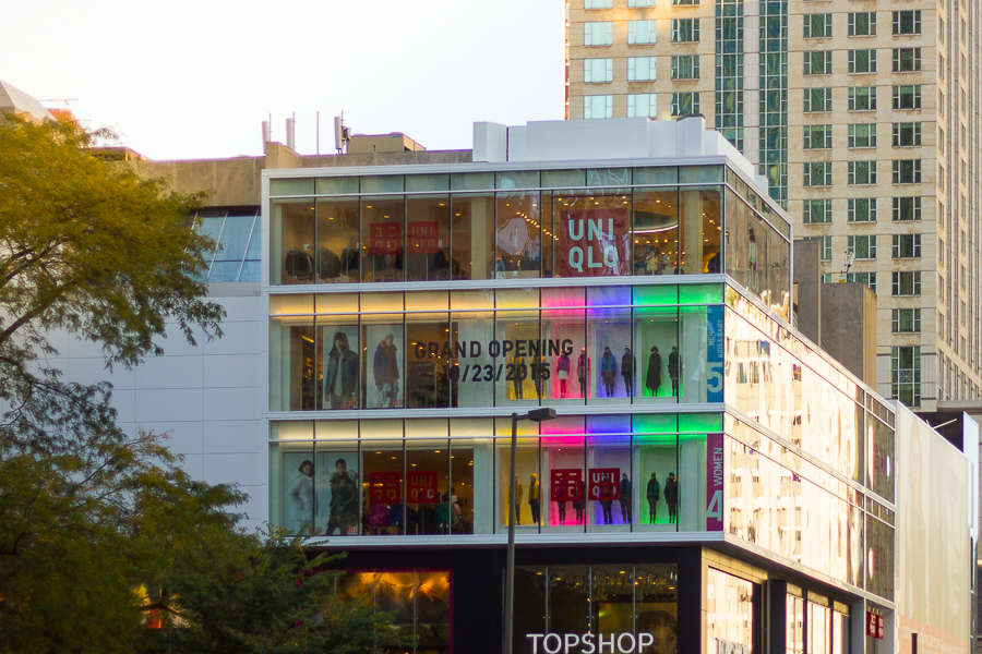 Uniqlo chicago opened with a bang for Spa weekend in chicago